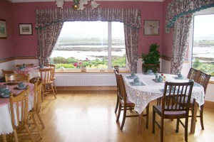 Bed and Breakfast Roundstone Galway bed and breakfast roundstone galway Ivy Rock House Bed and Breakfast dining room