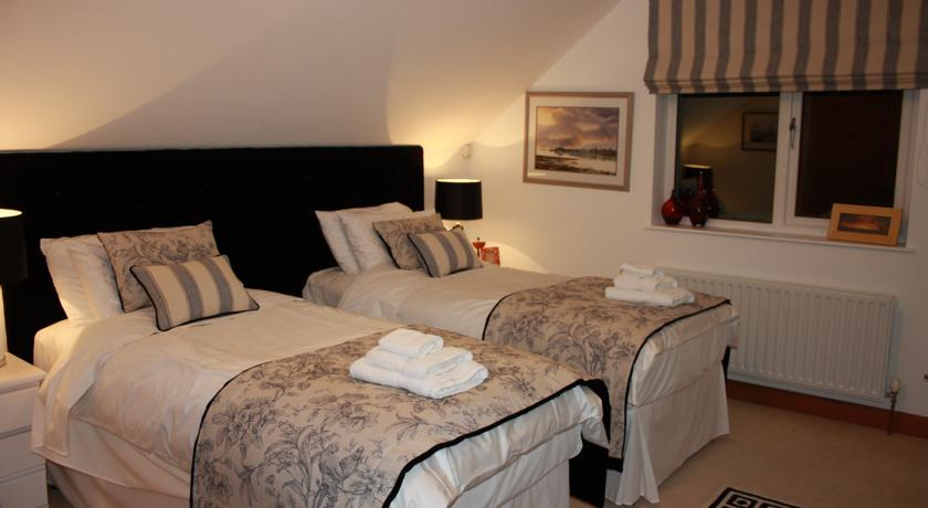 Lillikoi Bed and Breakfast Derry Lillikoi Bed and Breakfast Derry Lillikoi Bed and Breakfast Derry is a family run B&B situated close to City of Derry Airport