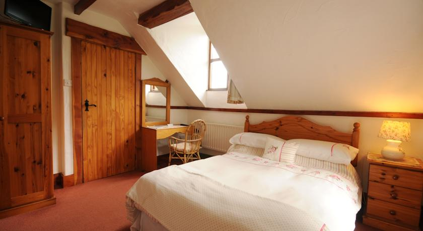 Tudor Lodge Glendalough Bed and Breakfast Wicklow