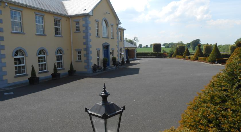 Aulber House Cashel Bed And Breakfast Tipperary Bed