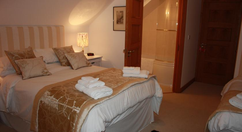 Lillikoi Bed and Breakfast Derry Lillikoi Bed and Breakfast Derry is a family run B&B situated close to City of Derry Airport